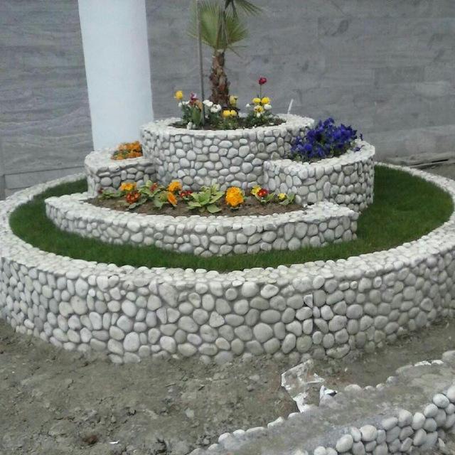 سنگ رودخانه ای در نما